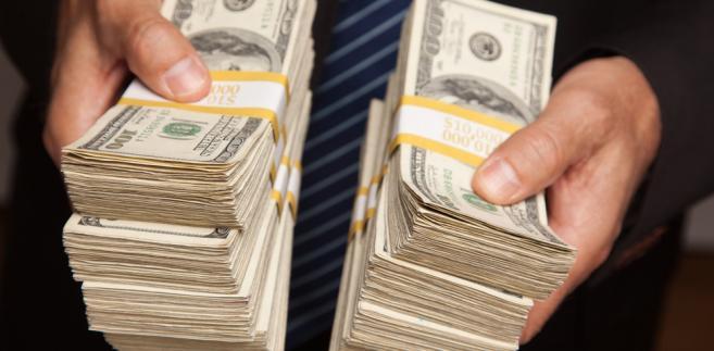 Kurs EUR/USD przebił ważne wsparcia i otworzył drogę do dalszej aprecjacji amerykańskiej waluty.