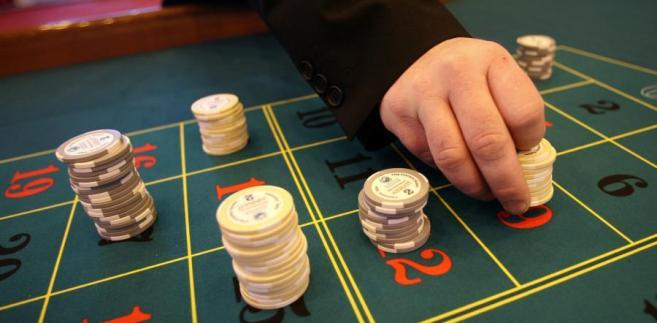 Sąd Okręgowy w Częstochowie skierował pytanie do Sądu Najwyższego dotyczące art. 14 ust. 1 ustawy o grach hazardowych (t.j. Dz.U. z 2009 r. nr 201, poz. 1540 ze zm.).