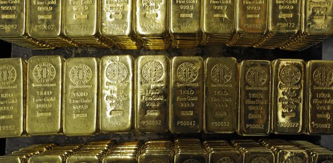 Zjazd ceny złota dotyka również polskich inwestorów.