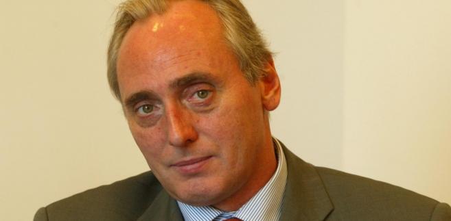 Andrzej Szlęzak, dr hab., prof. SWPS w Warszawie, radca prawny, senior partner w kancelarii Sołtysiński Kawecki Szlęzak.
