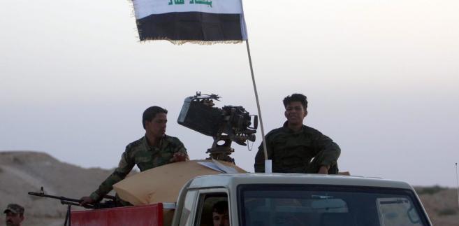 Iracka armia od kilku tygodni walczy z sunnickimi rebeliantami EPA/ALAA AL-SHEMAREE