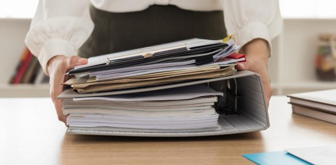 Prowadzenie dokumentacji w sprawach związanych z zatrudnieniem oraz akt osobowych pracowników należy do obowiązków pracodawcy.
