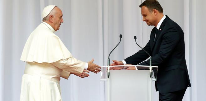 Pierwsze minuty papieża Franciszka w Polsce [ZDJĘCIA]