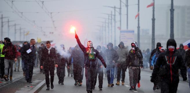 Obchody Święta Niepodległości na ulicach Warszawy [ZDJĘCIA]
