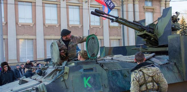 W grudniu 2017 r. zgody na sprzedaż Ukrainie broni udzieliły Kanada i USA.