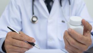 Ministerstwo Zdrowia, zapytane przez DGP o stanowisko, stwierdziło, że każdy pomysł zmierzający do lepszej ochrony pacjentów zasługuje na poparcie