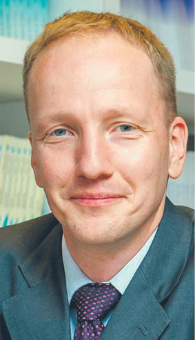 Guntram Wolff, dyrektor brukselskiego think tanku Bruegel. W latach 2012–2016 członek Rady Analiz Gospodarczych przy premierze Francji. Wcześniej pracował w Komisji Europejskiej, Międzynarodowym Funduszu Walutowym, a także Deutsche Banku