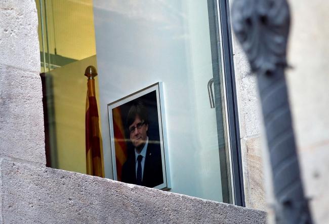 Portret Carlesa Puigdemonta w siedzibie rządu Katalonii