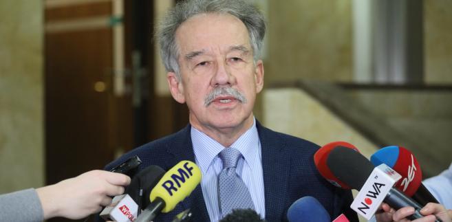 Wojciech Hermeliński, przewodniczący PKW, ma powody do zadowolenia – większość jego uwag została uwzględniona