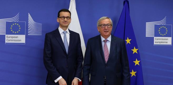 Jean-Claude Juncker spotkał się już z premierem Morawieckim. Frans Timmermans w niedzielę ma rozmawiać z nowym szefem MSZ Jackiem Czaputowiczem