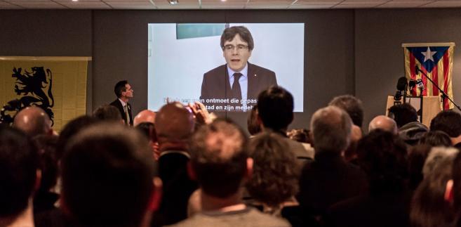 Władze w Madrycie wydały na Puigdemonta nakaz aresztowania za próbę secesji Katalonii