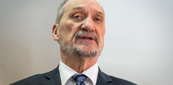 Były szef MON, poseł Antoni Macierewicz