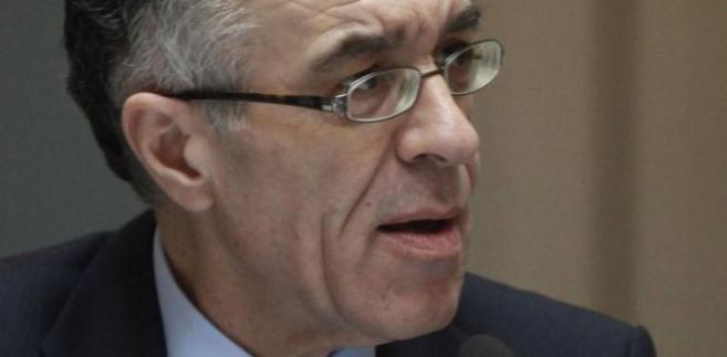 Desygnowany na ministra finansów Grecji Wasilis Rapanos, prezes Narodowego Banku Grecji (największego greckiego banku prywatnego), zrezygnował z tego urzędu z przyczyn zdrowotnych.