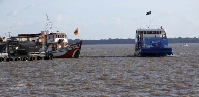 Towary te były dostarczane głównie na liniowce, tankowce i statki rybackie.