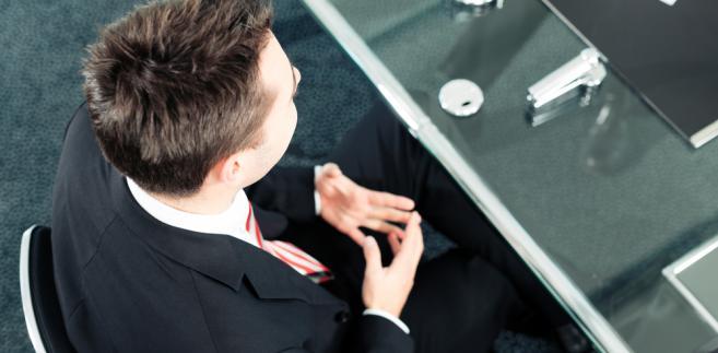 Sądy dopuszczają zawieranie z pracownikiem innego rodzaju umów niż te, związane z etatem.