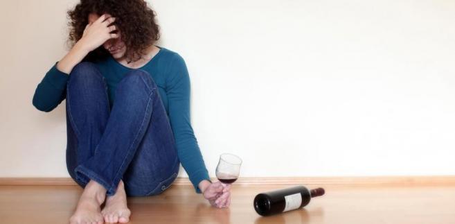 Kobieta uzależniona od alkoholu