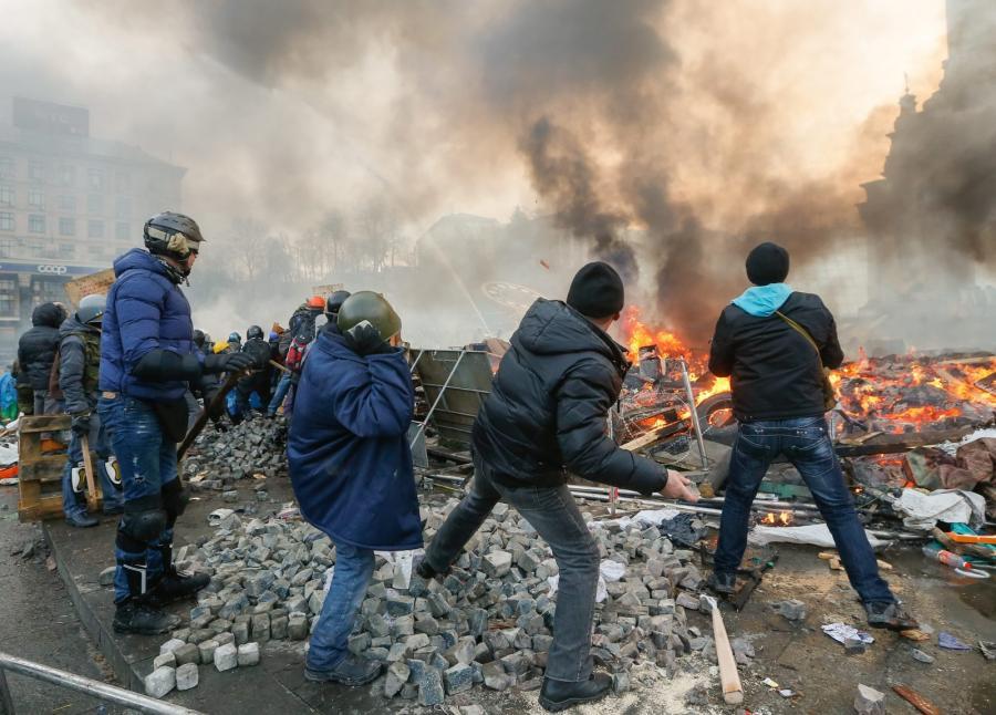 Zamieszki na Ukrainie. Fot. EPA/SERGEY DOLZHENKO/PAP/EPA