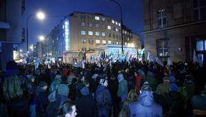 Manifestacja pod siedzibą PKW