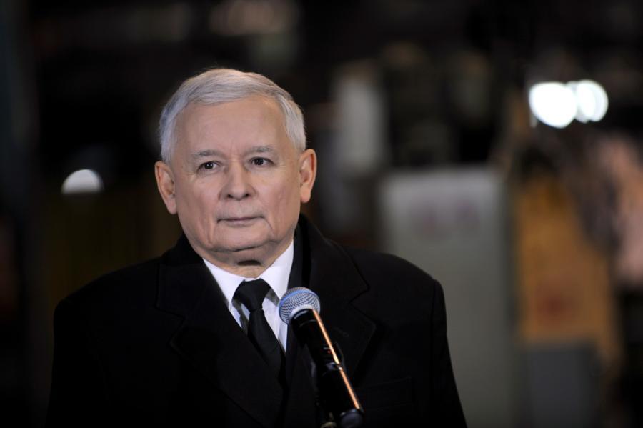 Prezes PiS Jarosław Kaczyński podczas konferencji prasowej w ZPP AUTO w Siedlcach,  PAP/Przemysław Piątkowski