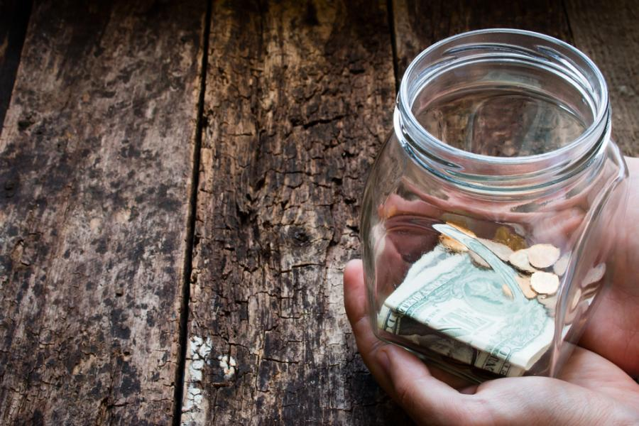 zarobki pieniądze