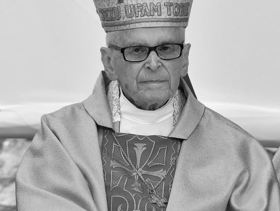 Na zdjęciu archiwalnym z 08.05.2016 r. arcybiskup senior archidiecezji krakowskiej kard. Franciszek Macharski