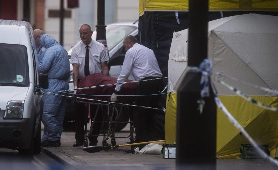 Atak nożownika na placu Russell Square w Londynie.