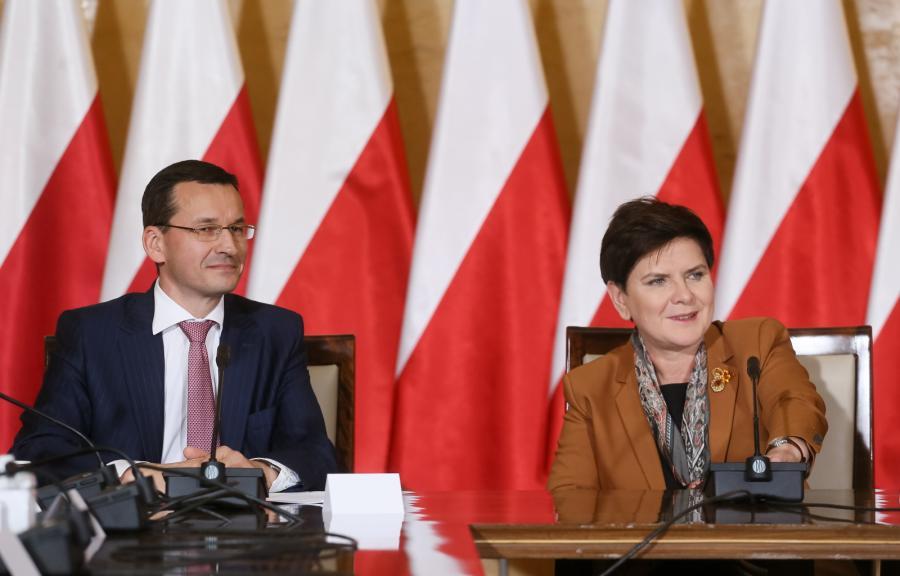 Mateusz Morawiecki i Beata Szydło przed pierwszym posiedzeniem Komitetu Ekonomicznego Rady Ministrów.