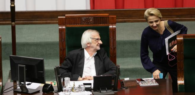 Wicemarszałek Sejmu Ryszard Terlecki i posłanka Nowoczesnej Joanna Scheuring-Wielgus podczas posiedzenia Sejmu