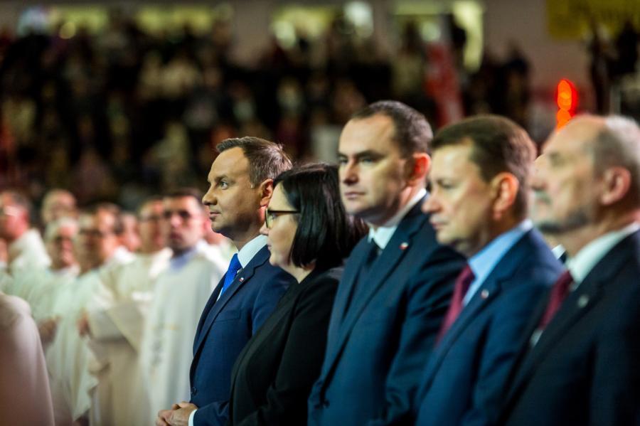 Od lewej: Andrzej Duda, Małgorzata Sadurska, Adam Kwiatkowski, Mariusz Błaszczak i Antoni Macierewicz na uroczystościach z okazji 25. rocznicy powstania Radia Maryja.