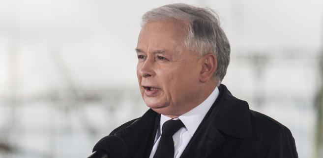 """Kaczyński dodał, że wybór Przyłębskiej na prezesa TK """"jest lepszy niż w wypadku, gdyby prezesem został pan sędzia Pszczółkowski"""""""