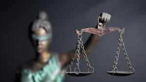 Charakter i surowość nałożonych kar to czynniki, które należy wziąć pod uwagę przy ocenie proporcjonalności ingerencji w wolność słowa zagwarantowane w art. 10