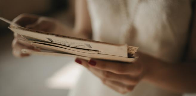 Zgodnie z przepisami zastrzeżenia mogą dotyczyć niewykonania lub nienależytego wykonania usługi pocztowej.