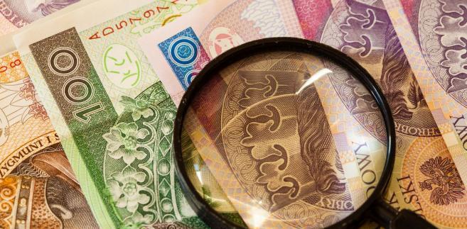 Mężczyzna sądził, że skoro pozostanie rezydentem naszego kraju i nie będzie miał w Albanii zakładu w rozumieniu art. 5 polsko-albańskiej umowy o unikaniu podwójnego opodatkowania, to nadal będzie się rozliczał z podatku w Polsce.