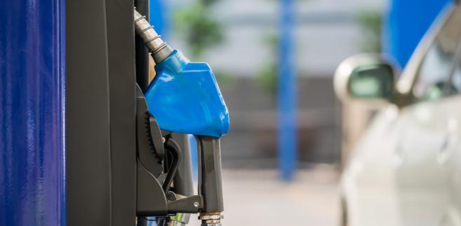 Krajowe rafinerie podniosły marże do poziomu 40 gr na litrze.
