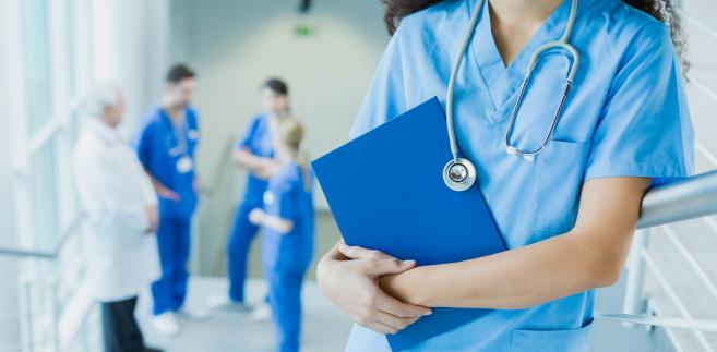 W podpisanym 7 lutego porozumieniu minister zdrowia zaproponował wyższe wynagrodzenie dla lekarzy i rezydentów oraz zwiększenie nakładów na służbę zdrowia do 6 proc. PKB do 2024 r.