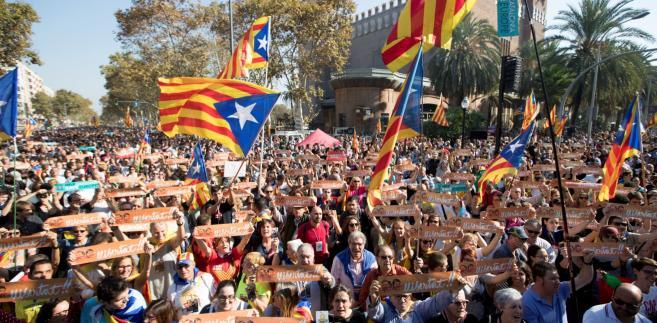 Katalońscy przywódcy mają usłyszeć zarzuty dotyczące rebelii, działalności wywrotowej i malwersacji