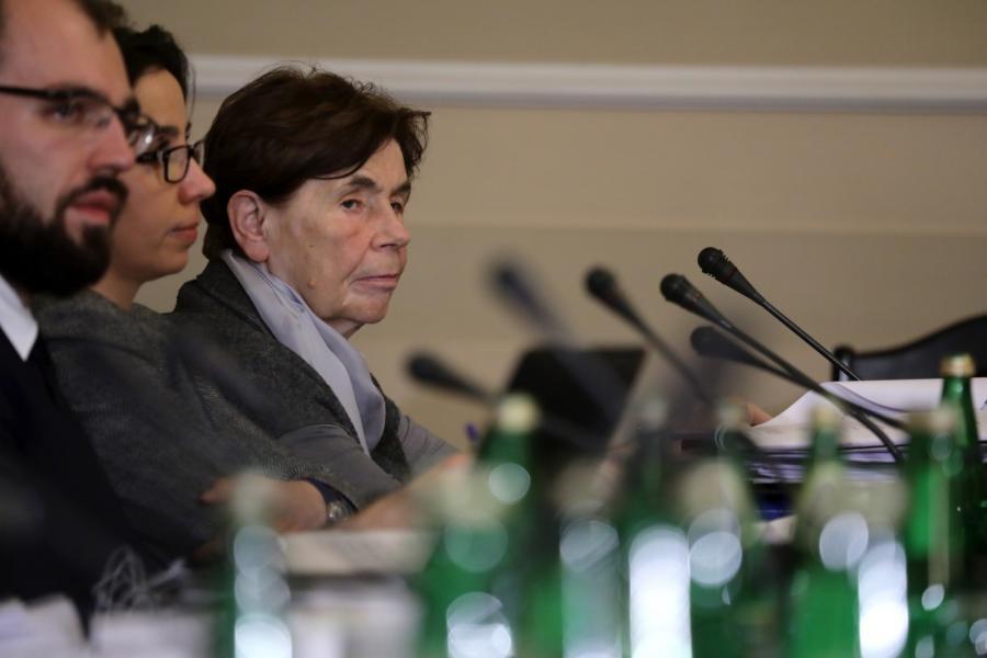 Minister w Kancelarii Prezydenta Anna Surówka-Pasek , doradca społeczny prezydenta RP, była działaczka opozycyjna w PRL Zofia Romaszewska podczas posiedzenia komisji sprawiedliwości i praw człowieka.