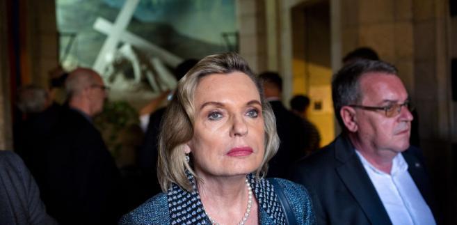 """Dopytywana, na co przekazała premię, Anders wyjaśniła, że prawdopodobnie zwróci ją """"z powrotem do kancelarii""""."""