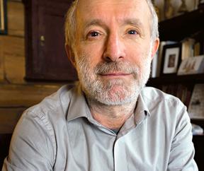"""Grzegorz Lindenberg doktor socjologii, zajmuje się tematami afrykańskimi, współzałożyciel """"Gazety Wyborczej"""" i """"Super Expressu"""""""