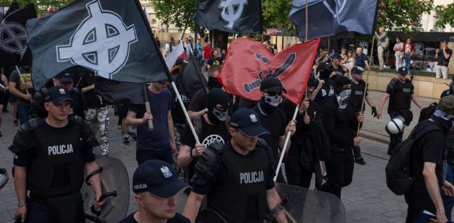 Marsz środowisk narodowych w centrum Warszawy