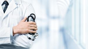 – Przesuwanie wszystkich środków w stronę szpitali nie jest dobrym rozwiązaniem – wtóruje mu Bożena Janicka, prezes PPOZ.