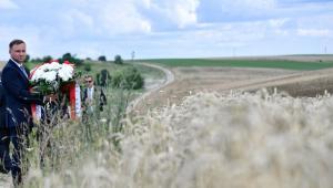 Prezydent Andrzej Duda na terenach nieistniejących już dzisiaj polskich wsi na Wołyniu na Ukrainie.
