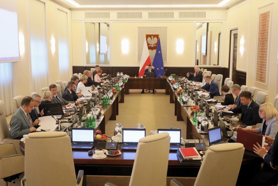 Członkowie Rady Ministrów przed posiedzeniem rządu w KPRM w Warszawie.
