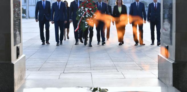 Delegacja PO i Nowoczesnej od Grobem Nieznanego Żołnierza