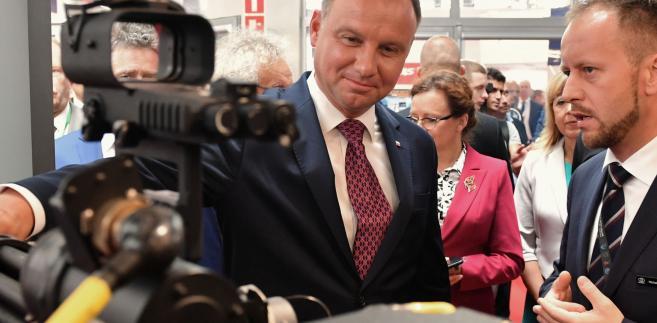 Prezydent wskazał, że Polska jest jedną z najprężniej rozwijających się gospodarek UE, ze wzrostem sięgającym 4-5 proc. PKB, inflacją poniżej 2,5 proc. PKB oraz niskim bezrobociem.