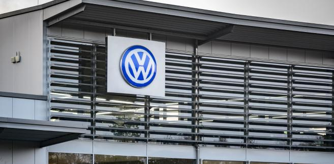 KE karała już wcześniej firmy z branży motoryzacyjnej za niezgodne z prawem porozumienia.