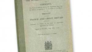 Okładka traktatu wersalskiego z 28 czerwca 1919 r.