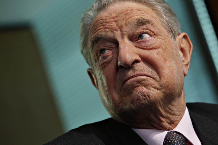 Miliarder George Soros, prezes Soros Fund Management LLC, w trakcie wywiadu.