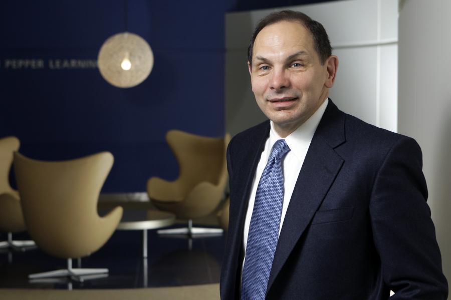 """Robert """"Bob"""" McDonald, dyrektor wykonawczy Procter & Gamble Co., dwudziestej czwartej najbardziej innowacyjnej firmie według magazynu Forbes."""