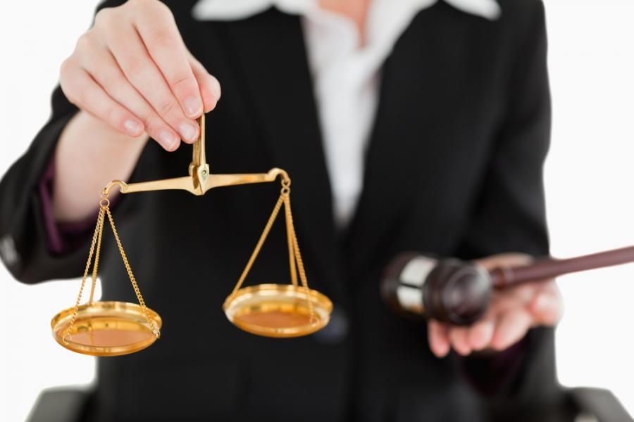 prawo, prawnik, prawniczka, sądownictwo, wymiar sprawiedliwości